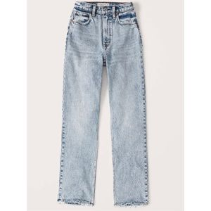 Abercrombie & Fitch Light Wash Mom Jeans